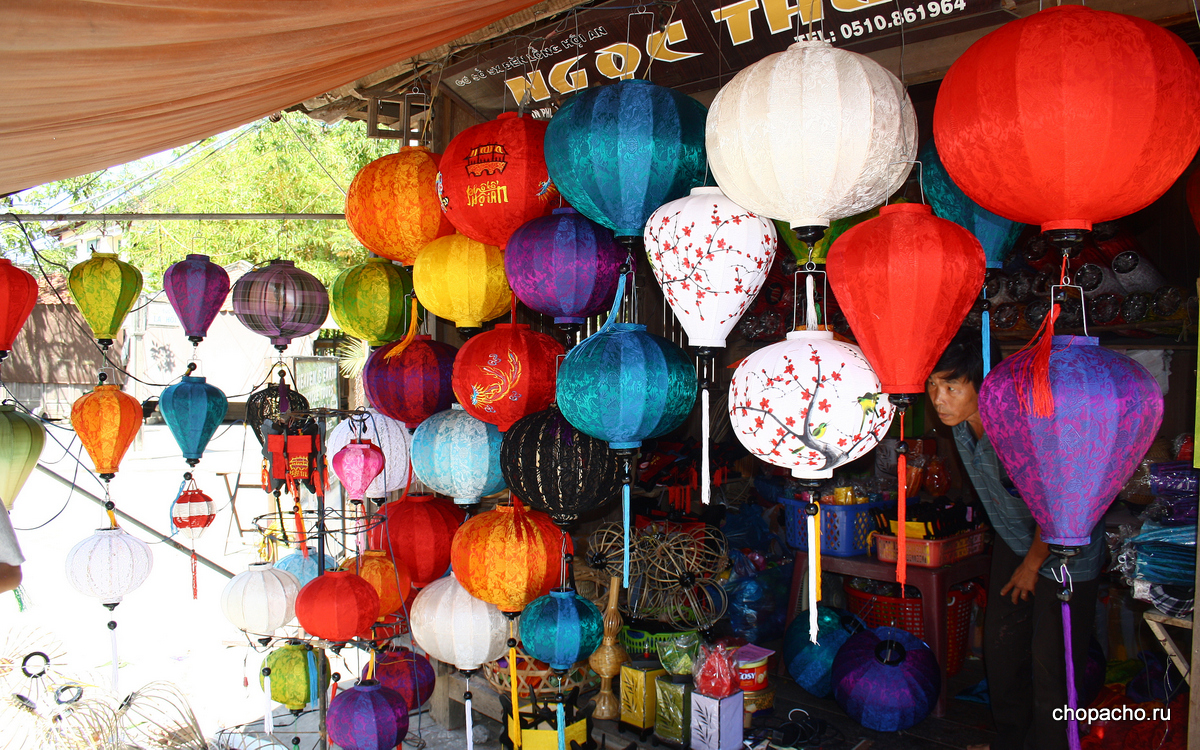 1.walking in hoi an 08.06.2013 8-33-13