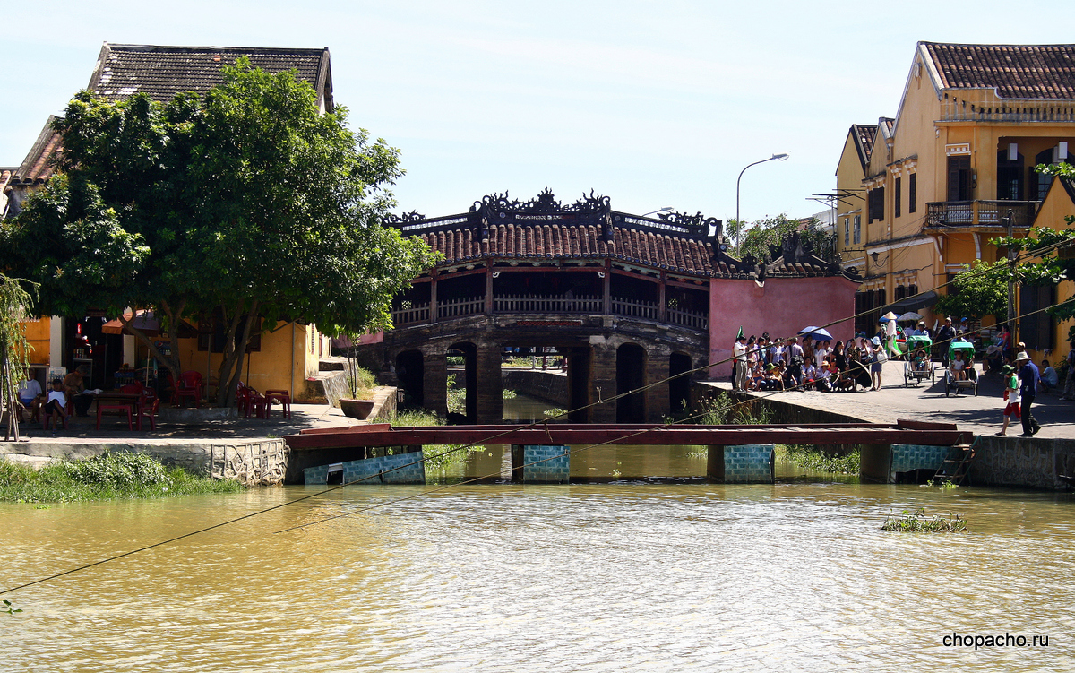 23.walking in hoi an 08.06.2013 8-34-55