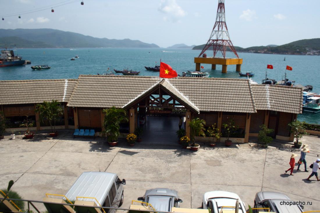 Причал, откуда отправляются катера на остров Хон Там