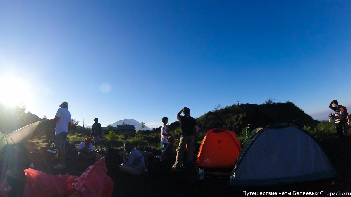 Лагерь с ночёвкой на Батуре (Бали)