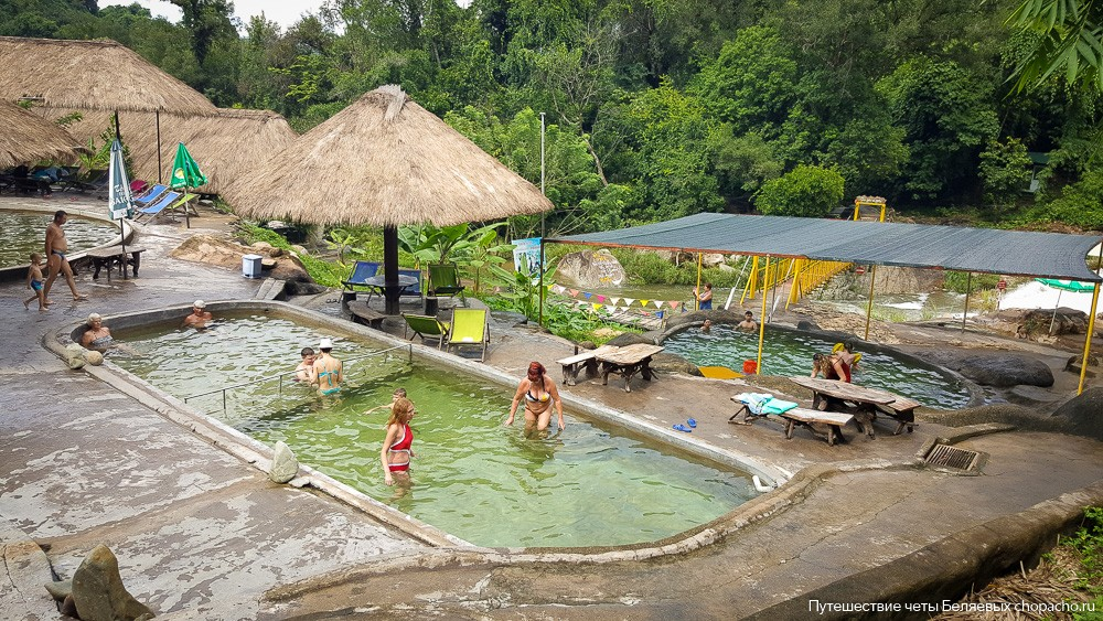 Минеральные ванны в парке Янг Бей, Нячанг