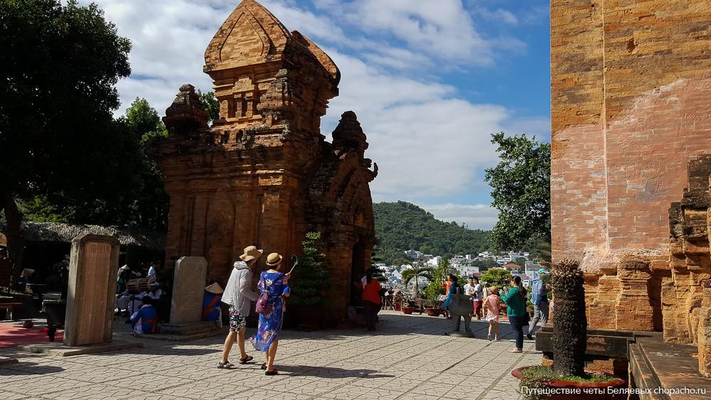 Прогулка по Чамским Башням Понагар в Нячанге