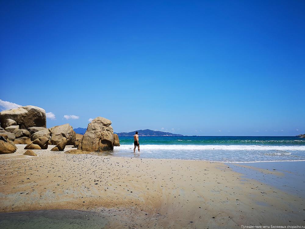 Дикий пляж  Bai Nuoc Ngot в 76 км от Нячанга
