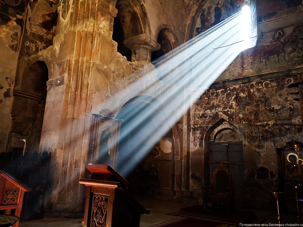 Свет в грузинском храме