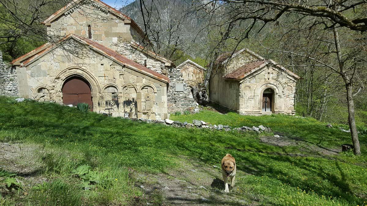 Средневековый монастырь Ркони в Шида-Картли