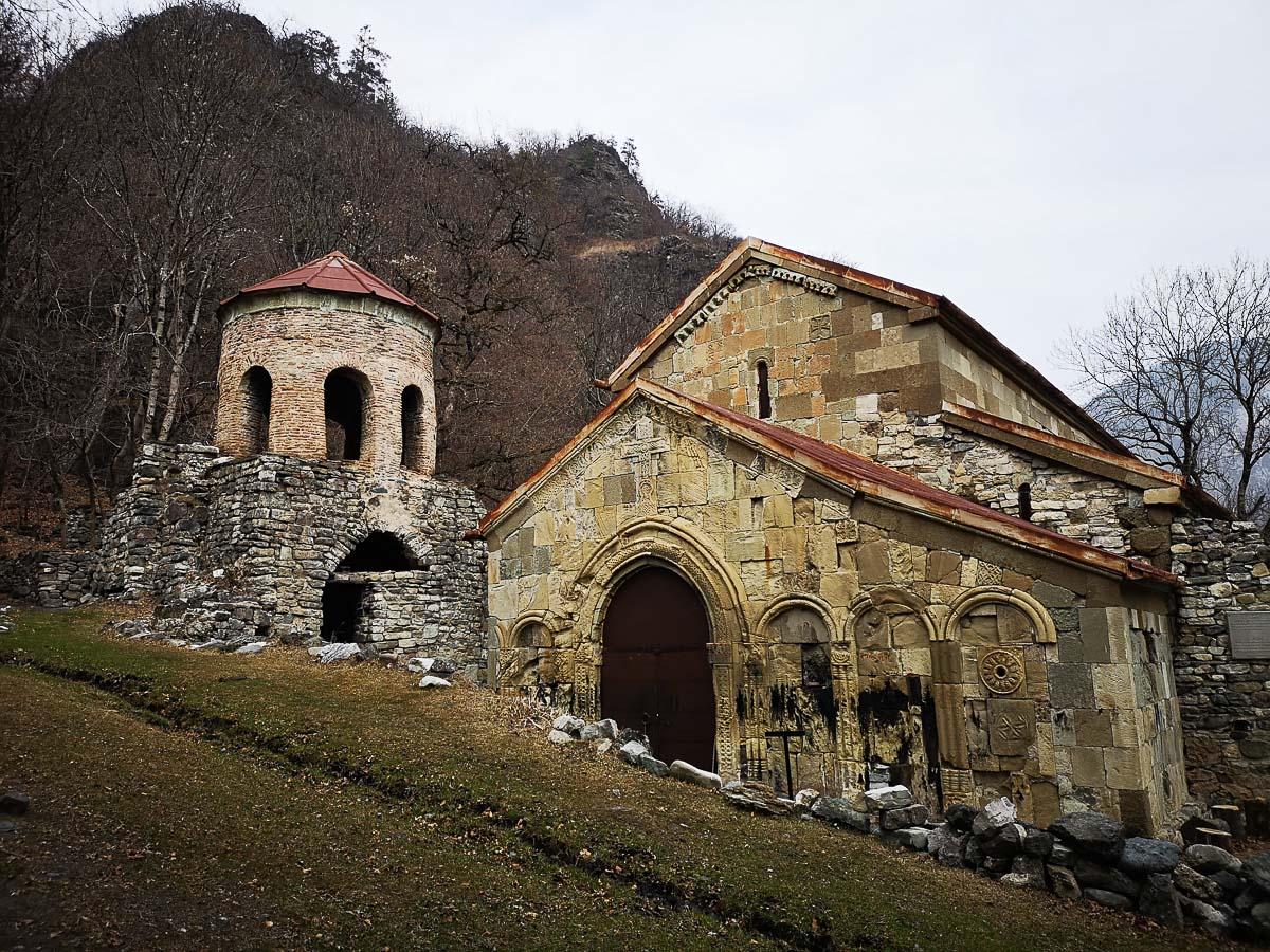 Самостоятельно в монастырь Ркони в Грузии