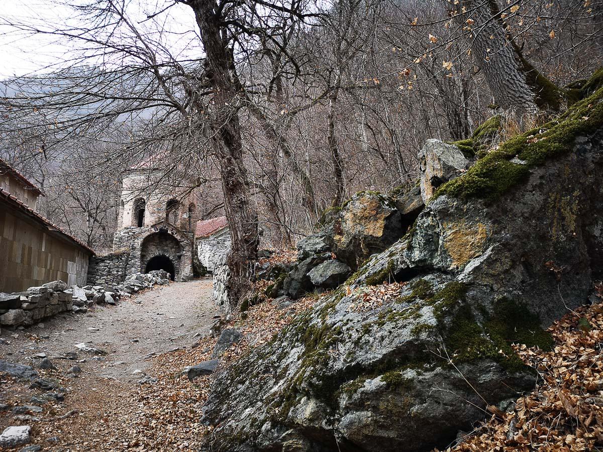 Монастырь Ркони в Грузии зимой
